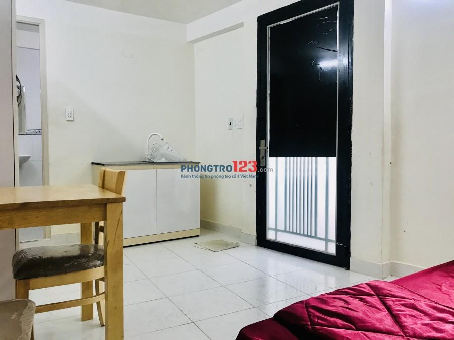 Phòng Trệt 5,5tr có tủ bếp, nhà vs riêng tại hẻm Trần Hưng Đạo, Q1