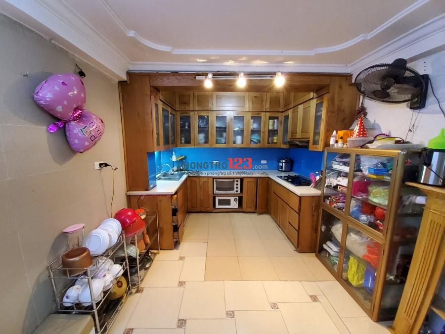 Cho thuê phòng trọ khép kín 35m2, full đồ, trung tâm quận Ba Đình, 4-5 triệu