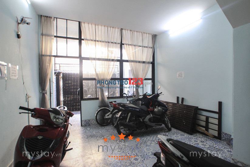 Phòng cao cấp đủ tiện nghi 36/3 Nguyễn Văn Lạc, DT: 30m2, giá: 5.6 triệu, LH: 0918856800