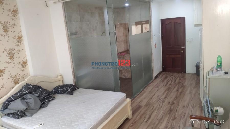 Cho thuê phòng rộng 35m2 đối diện CV Lê Thị Riêng