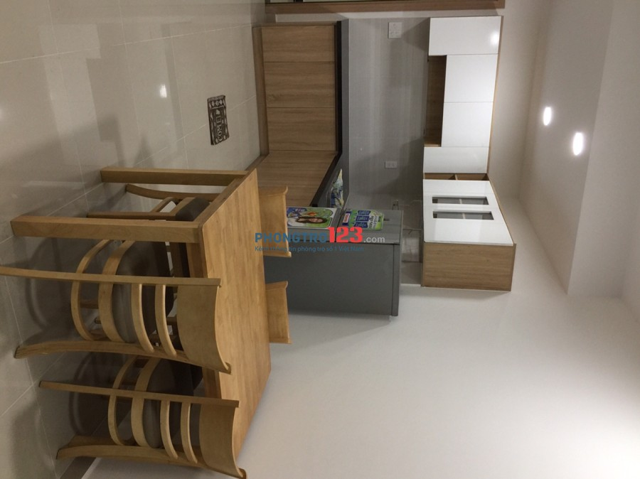 Cần cho thuê căn hộ 55m2 có 2 PN full nội thất ngay MT Xa Lộ Hà Nội, Q.9