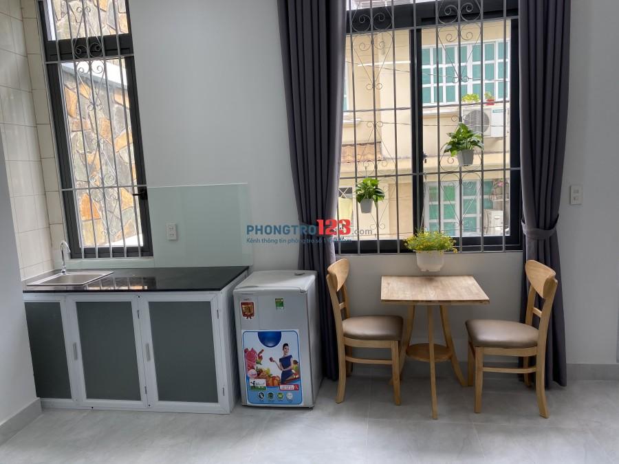 Căn hộ mới khai trương full nội thất ngay quận 3 chợ Hoà Hưng
