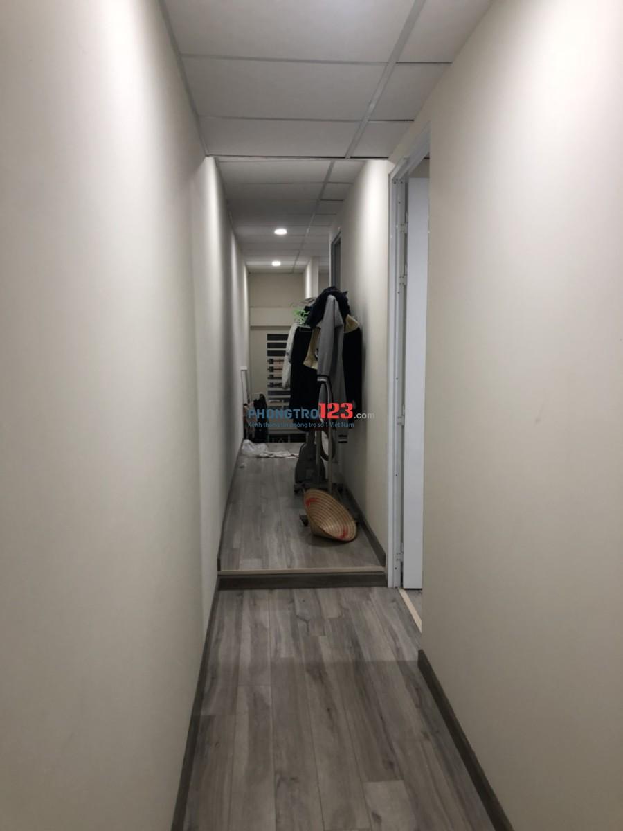 Căn hộ Cư Xá Nhiêu Tứ 2pn + phòng khách, có sẵn máy lạnh