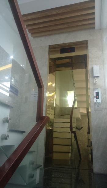 Phòng Mới Máy Lạnh, Thang Máy, Tủ Lạnh, Tủ Áo, Tầng Hầm Mặt Tiền Đường Thống Nhất, Quận Gò Vấp