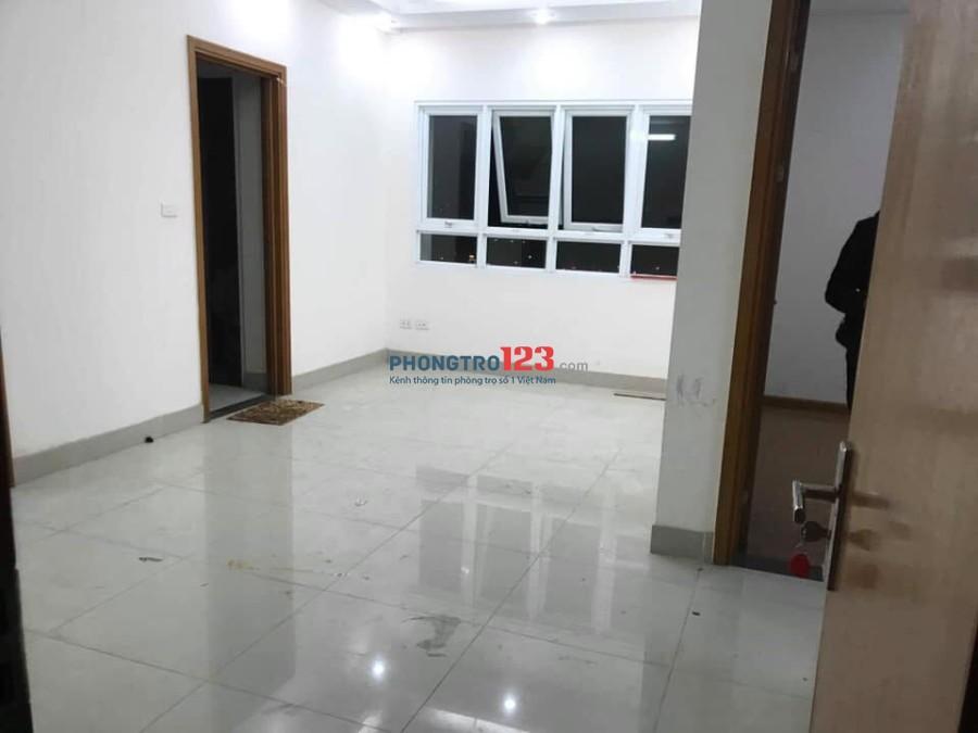 Cho thuê căn hộ chung cư HimLam Thạch Bàn 5,5tr/th, 2PN, 60m2 đồ cơ bản, cực đẹp. LH: 0967688693