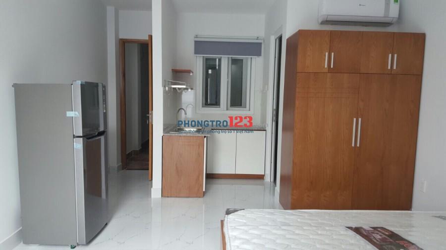 Cho thuê căn hộ dịch vụ, Full nội thất cao cấp mới xây 100% tại Thích Quảng Đức, Phú Nhuận