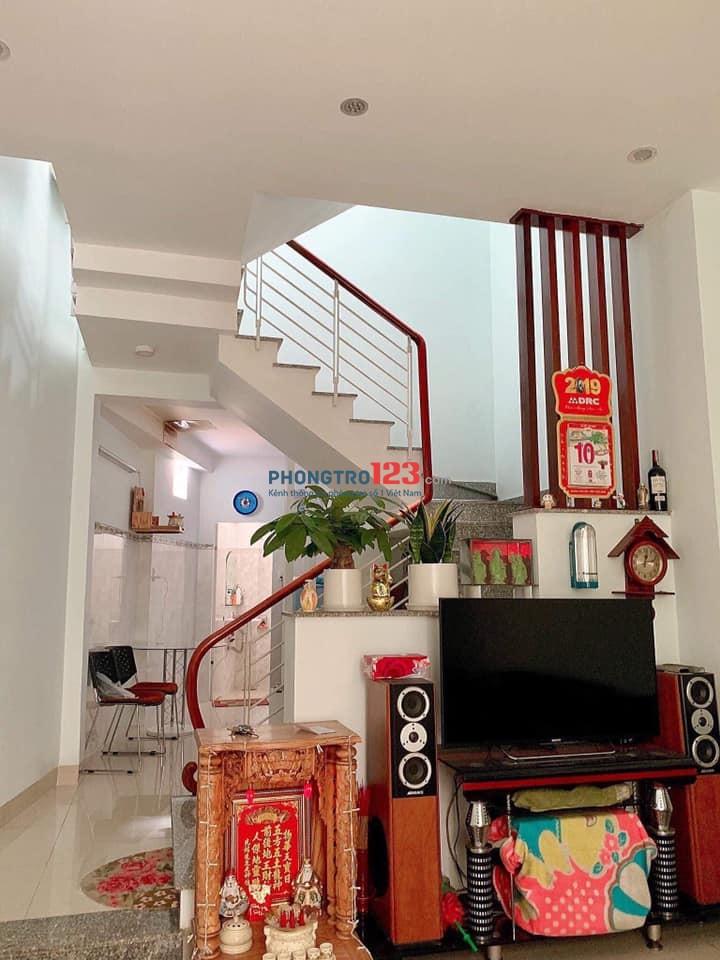 Nhà mới cho thuê nguyên căn, bao sạch sẽ, bao full nội thất, DT: 52m2, giá 8 tr/tháng
