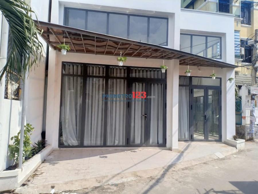 Cho thuê nhà mới xây 2 mặt tiền hẻm số 274/20 Bùi Đình Túy, P.14, Q.Bình Thạnh. Giá 8tr/tháng