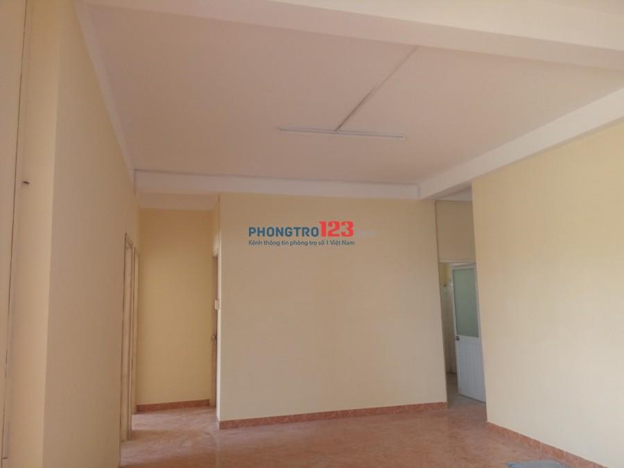Cho thuê căn hộ 132m2 5tr5/tháng, chung cư A2 kế bên Bình Đăng Plaza
