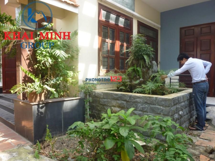 Cho thuê nguyên tầng trệt nhà BIỆT THỰ có nội thất + sân vườn, Bình Thạnh