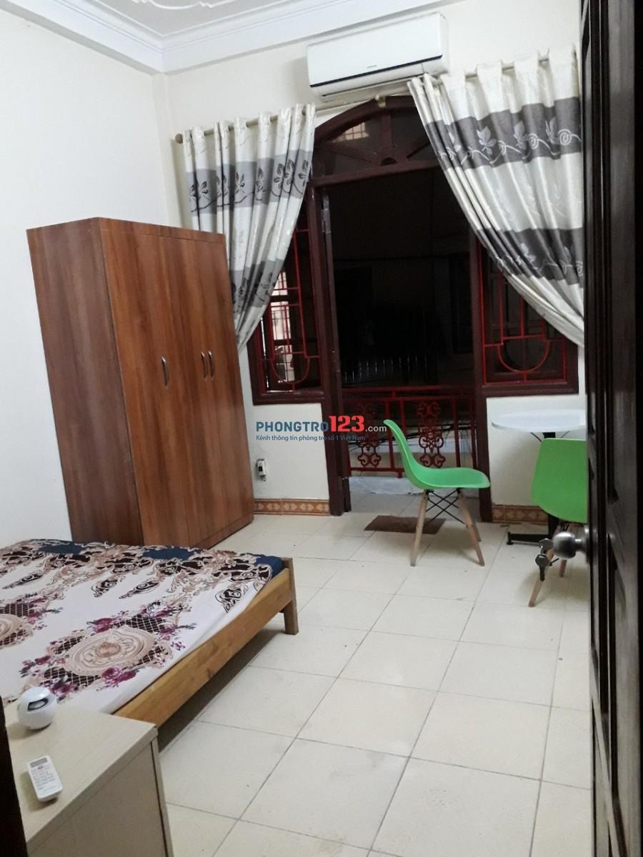 Cho thuê phòng trọ đầy đủ nội thất giường, tủ, bàn ghế, nóng lạnh điều hòa, máy giặt, intenet. Giá 2.5tr/tháng