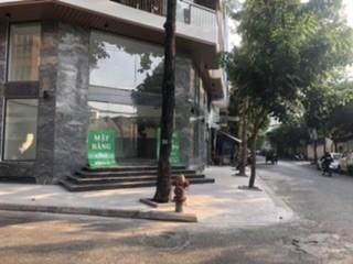 Mặt bằng đẹp, 2 mặt tiền đường lớn: lợi thế kinh doanh quán cafe, siêu thị tiện lợi, văn phòng đại diện