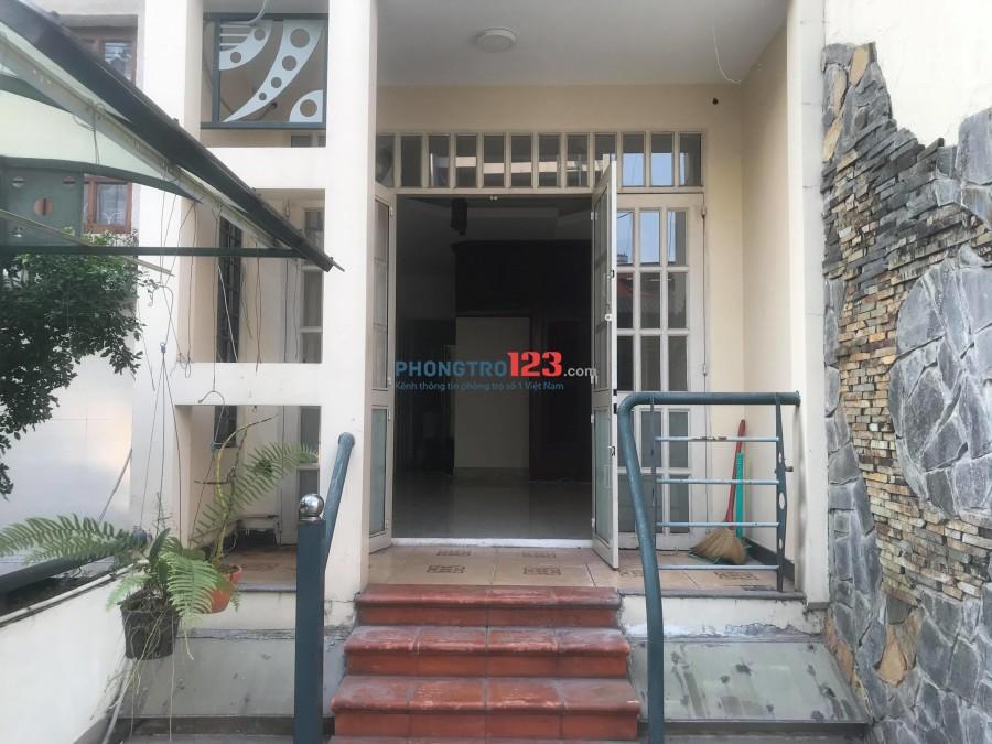 phòng trọ lớn, giờ tự do ngay trung tâm, tại hẻm 68 Thích quảng Đức, Phú Nhuận