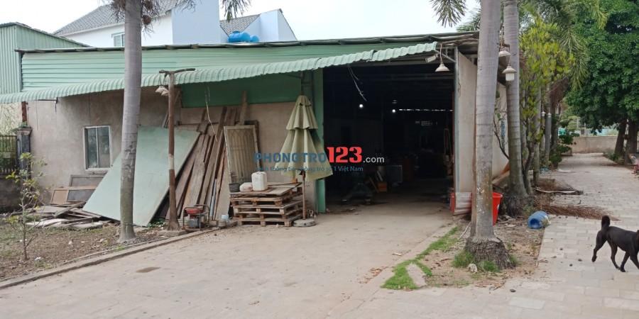 Cho thuê 450m2 kho xưởng có điện 3 pha mặt tiền Hưng Long - Qui Đức, xã Hưng Long, Bình Chánh
