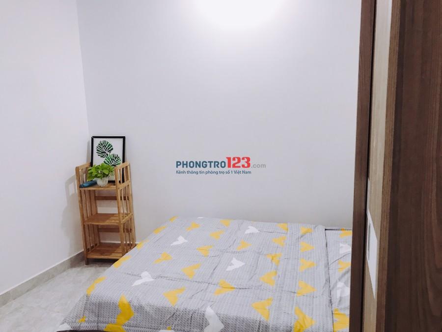 Phòng đầy đủ tiện nghi, giờ giấc tự do ngay ngã tư Phú Nhuận 20m2. Giá 4tr5/tháng