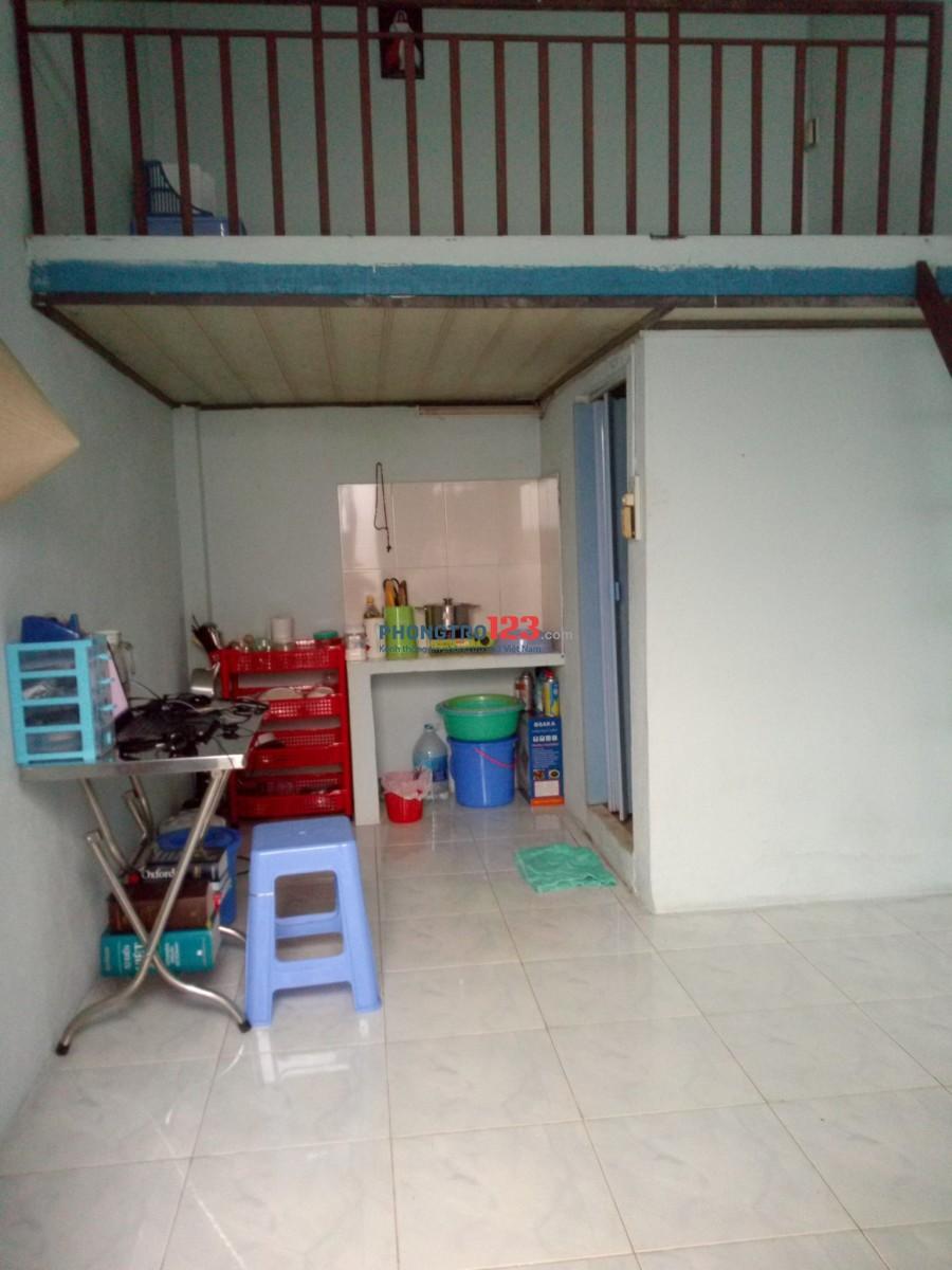 Phòng nữ ở ghép - gần chợ Phạm Văn Hai, quận Tân Bình