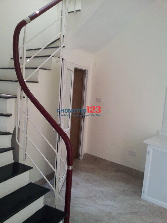 Nhà 2.5 tầng, 32m2/1 tầng, ngõ 41 Việt Hưng