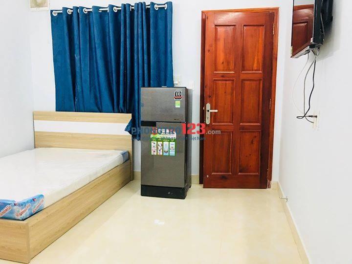 Cho thuê phòng cao cấp full nội thất ngay đường nguyễn hữu cảnh đối diện vinhhoms
