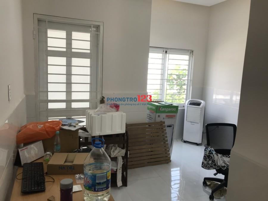 Cho thuê phòng 20 có nội thất nhà mặt tiền 55 đường số 22, Bình Hưng, Bình Chánh. Giá 3tr/th