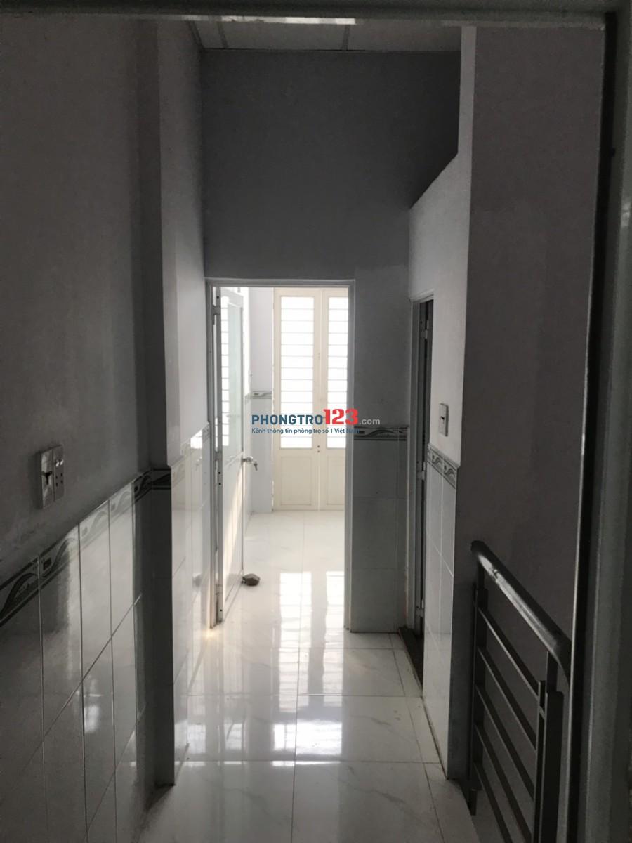 Cho thuê nhà nguyên căn 1 lầu đường xe tải tại hẻm 1465 Lê Văn Lương, Nhà Bè. Giá 5.5tr/th