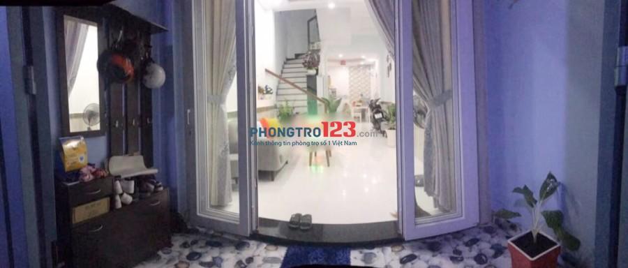 Cho thuê nhà nguyên căn 3 lầu 3pn có nội thất tại hẻm 20 đường số 8, P.11, Q.Gò Vấp. Giá 12tr/th