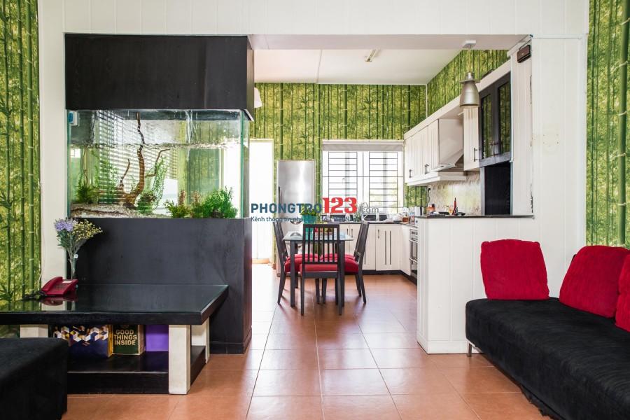 Chính chủ cho thuê căn hộ 45m2 - Có ban công, view Thảo Cầm Viên - Q1