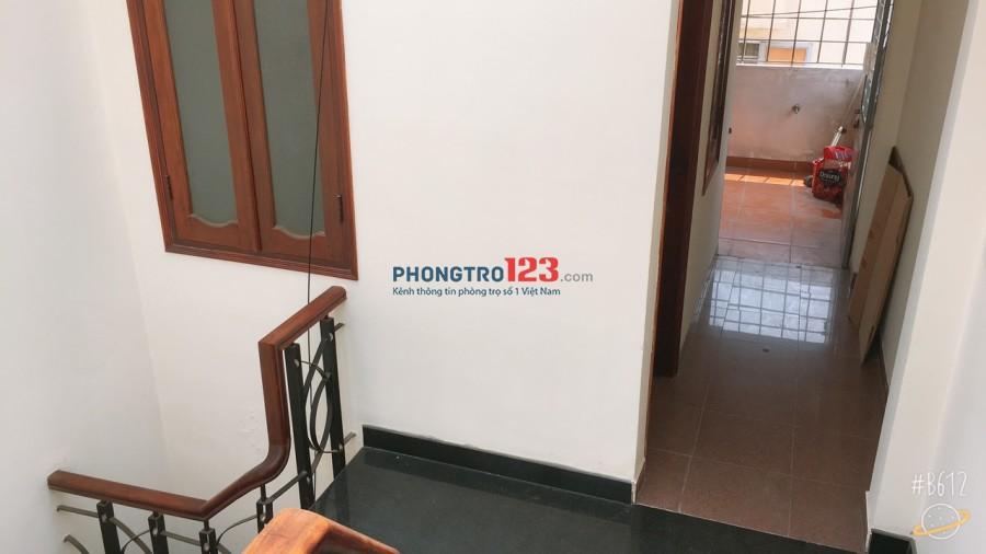 Phòng full NT, giá từ 4,5 tr đến 5,5 tr có ban công