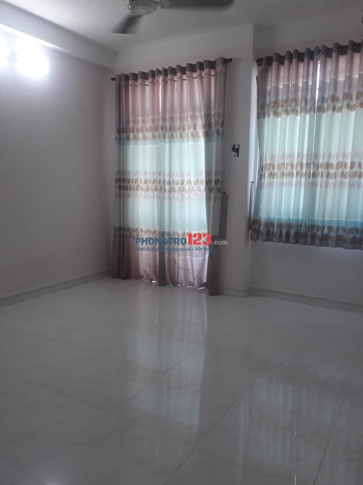 Cho thuê phòng trọ trong nhà nguyên căn giờ giấc tự do, có ban công hẻm 101 Gò Dầu, Quận Tân Phú