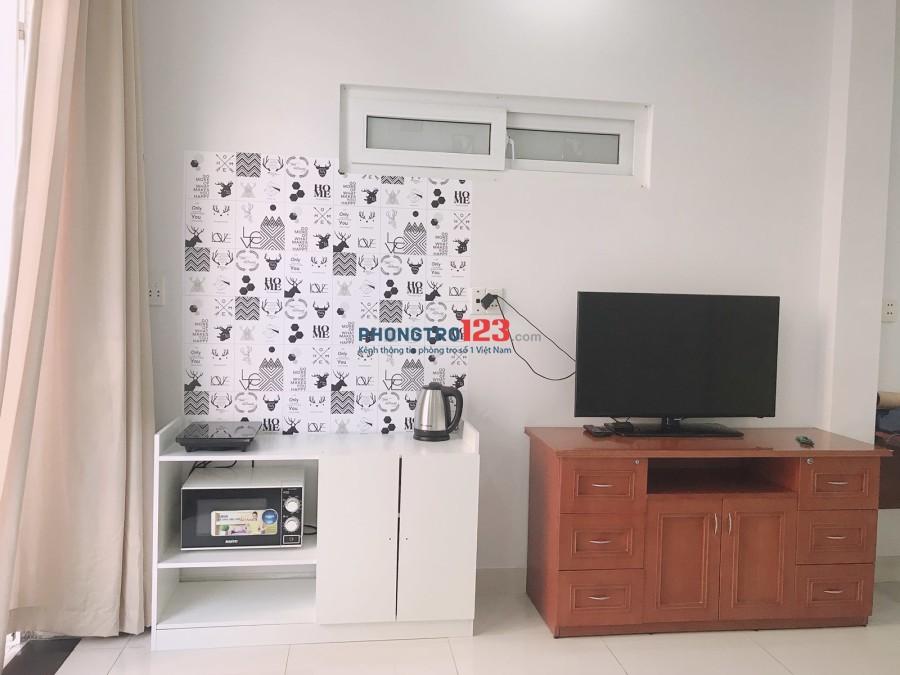 Phòng full nội thất xịn giá rẻ 5 triệu/ tháng free dọn phòng Trần Khắc Chân Q1