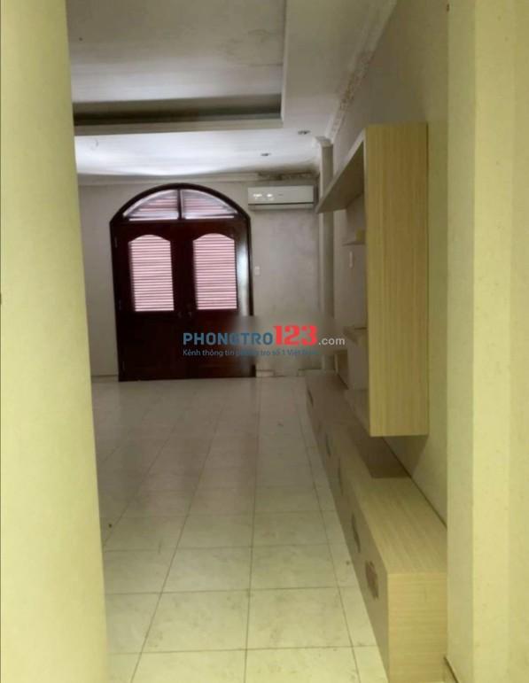 Cho thuê nhà nguyên căn 4 lầu 360m2 mặt tiền 538 Đường 3/2, P.14, Q.10. Giá 40tr/tháng