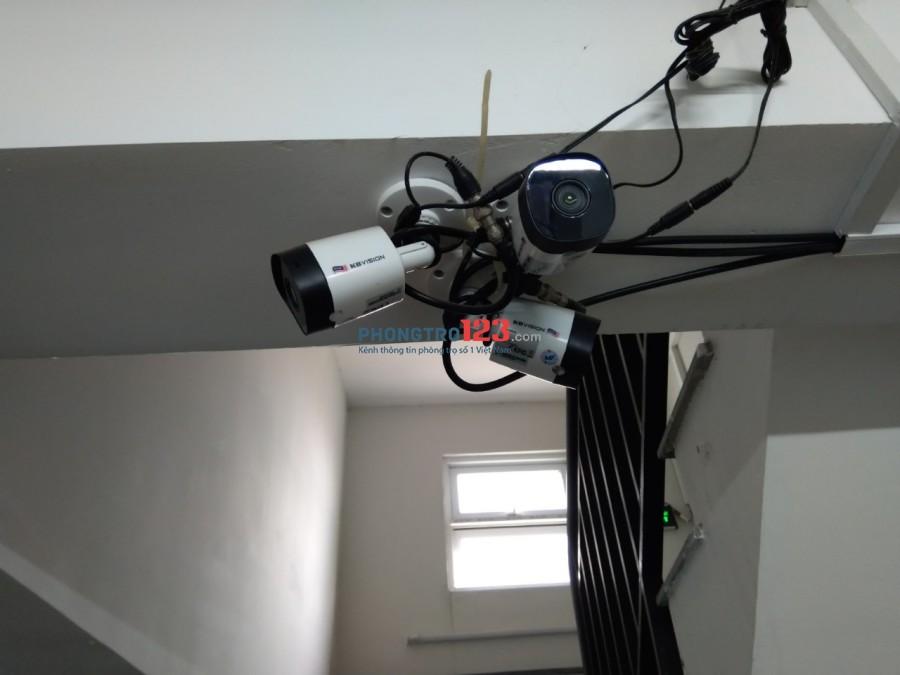 Phòng đẹp Phạm Văn Đồng. WC riêng. Giờ tự do. Camera an ninh & bảo vệ 24/7. Có thang máy. Gần 4S Linh Đông