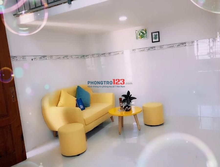 Cho Thuê căn hộ 30m2, Sạch đẹp có gác và ban công rộng ngay Lê Trọng Tấn