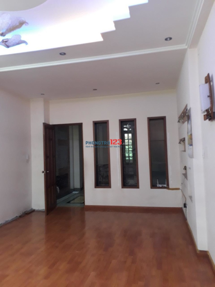 Cho thuê nhà nguyên căn đường Nguyễn Trọng Tuyển, Quận Tân Bình - 28 triệu/tháng