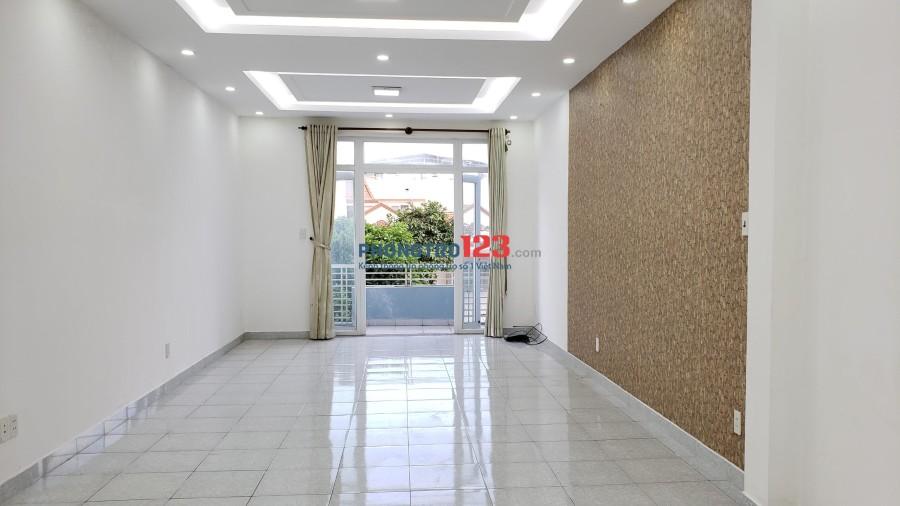 Phòng rộng 35m2, máy lạnh, ban công thoáng mát phù hợp vừa ở, vừa kinh doanh online -khu Tân Quy gần Lotte Mart Quận 7