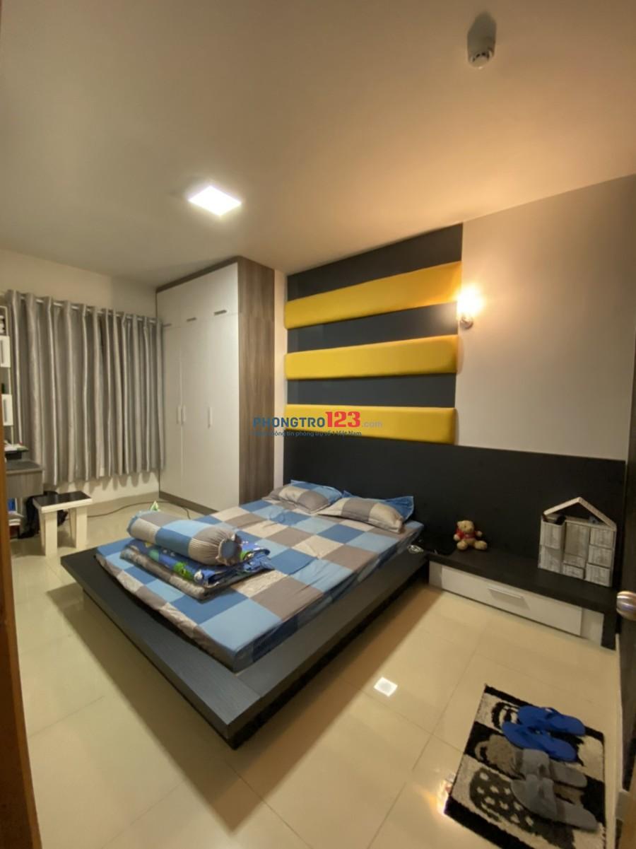 Cho thuê nhà đẹp ở ngay, full toàn bộ nội thất cho các phòng, đường D2