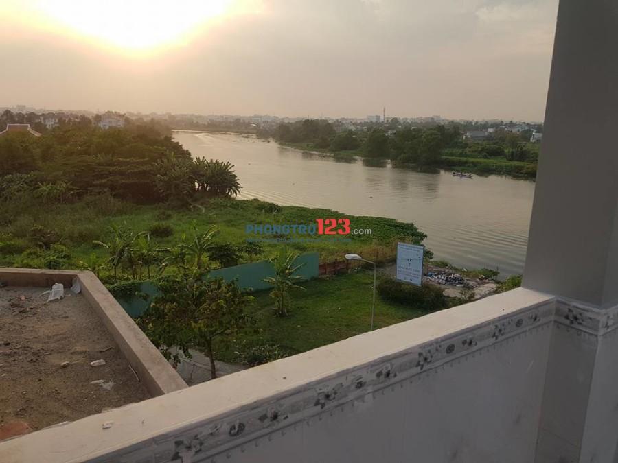 Phòng cao cấp dành cho đối tượng dân trí cao, văn minh, lịch sự, nhà nhìn ra sông, công viên