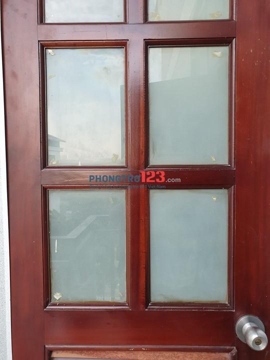 Phòng cuối Bình Lợi rộng bao la, có ban công, cửa sổ, giờ tự do. Giá chỉ 3tr4