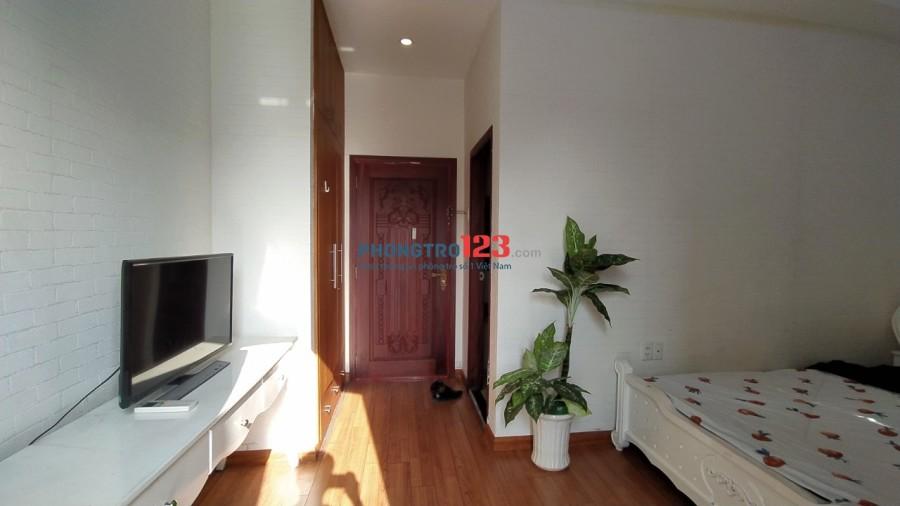 Phòng cao cấp như căn hộ, bếp riêng, ban công thoáng, chỉ 5 triệu gần Lý Chính Thắng, CMT8, Quận 3