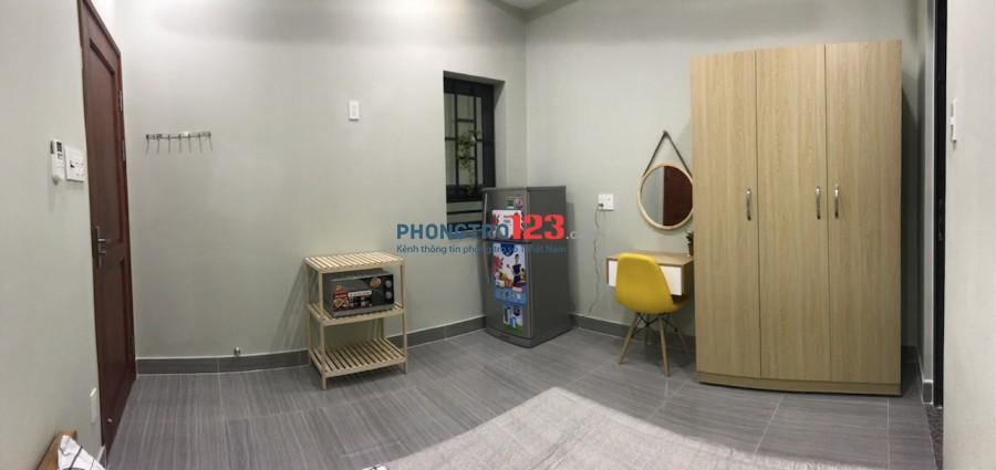 Phòng full nội thất nhà mới xây CMT 8, Q.10