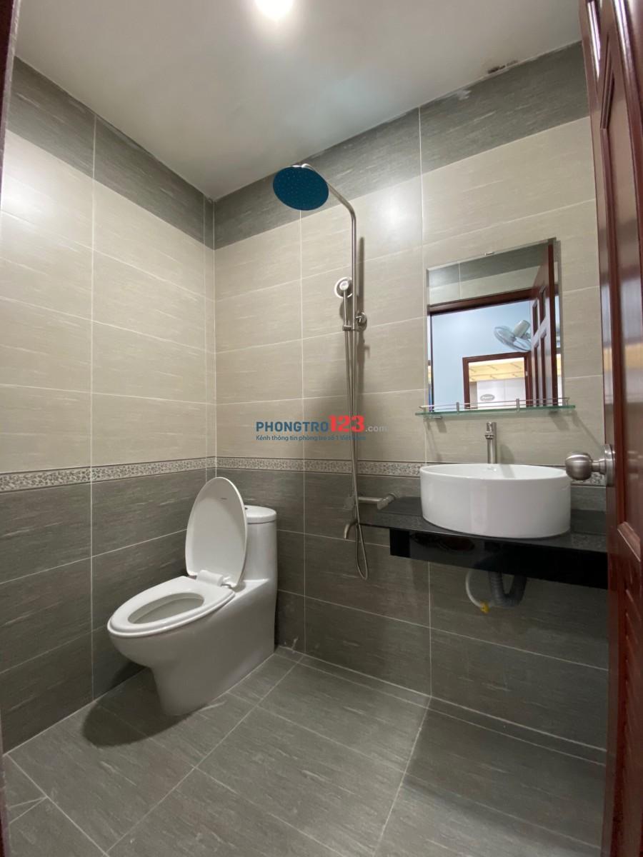 Cho thuê căn hộ 1 phòng ngủ, tiện nghi, nội thất cao cấp, ngay ngã tư Âu Cơ Lũy Bán Bích