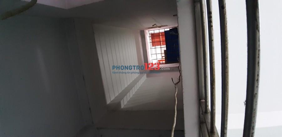 Phòng trọ ngã 4 Quang Trung - Phan Huy Ích, wc riêng, cửa sổ, giờ giấc tự do