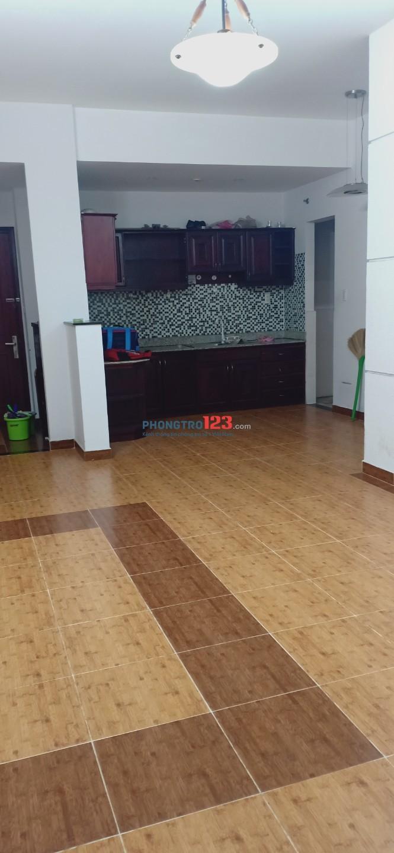 Cần nữ ở ghép trong căn hộ chung cư Khang Phú