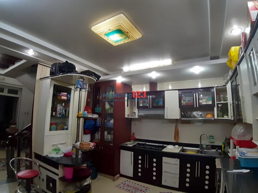 Cho thuê nhà nguyên căn MT Nguyễn trọng tuyển, dt 5*15, dtsd 386m2, khu dân trí cao liền kế các công ty, văn phòng