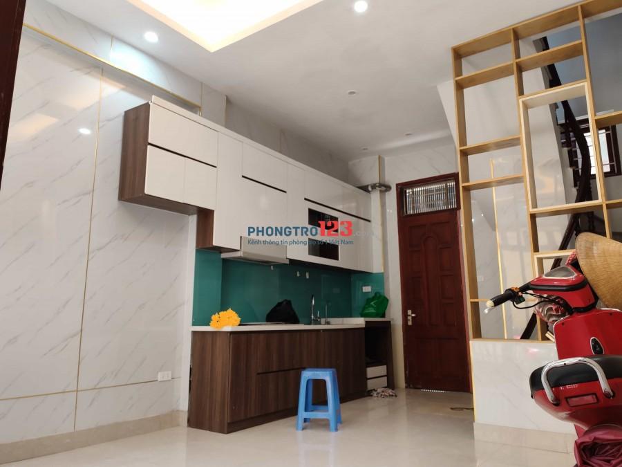 Cho thuê nhà 30 m2, 5 tầng ở ngõ 381 Nguyễn Khang, Yên Hòa, Cầu Giấy, HN