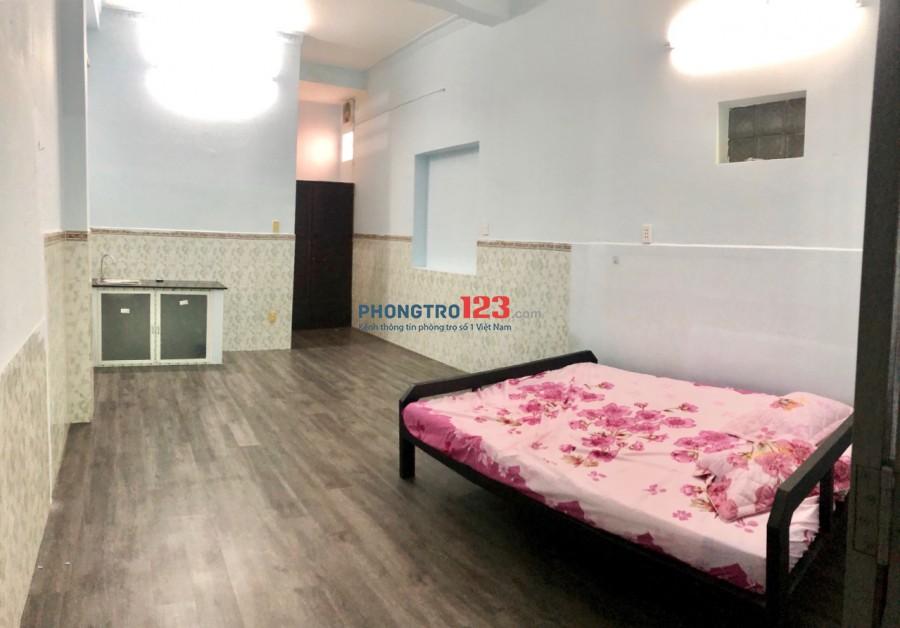 Cho thuê phòng trọ ngay giáo sứ Vinh Sơn 6, full nội thất, WC riêng, giờ giấc tự do