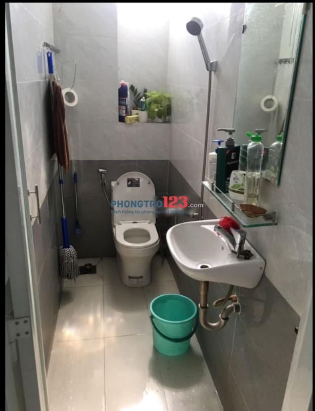 Cho thuê nhà nguyên căn 1 trệt 2 lầu mặt tiền số 2 Chế Lan Viên, P.Tây Thạnh, Q.Tân Phú