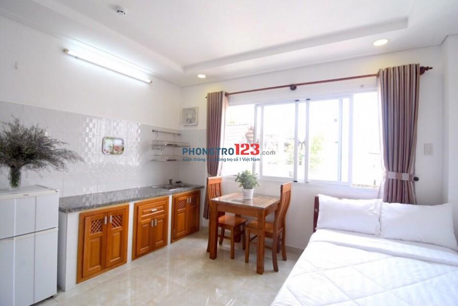 Cho thuê phòng đường CMT8, Q10. Full nội thất