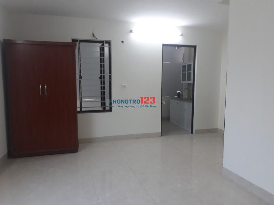 Cho thuê căn hộ mini 40m2, có 1 phòng khách và 1 phòng ngủ - giá 3.8tr