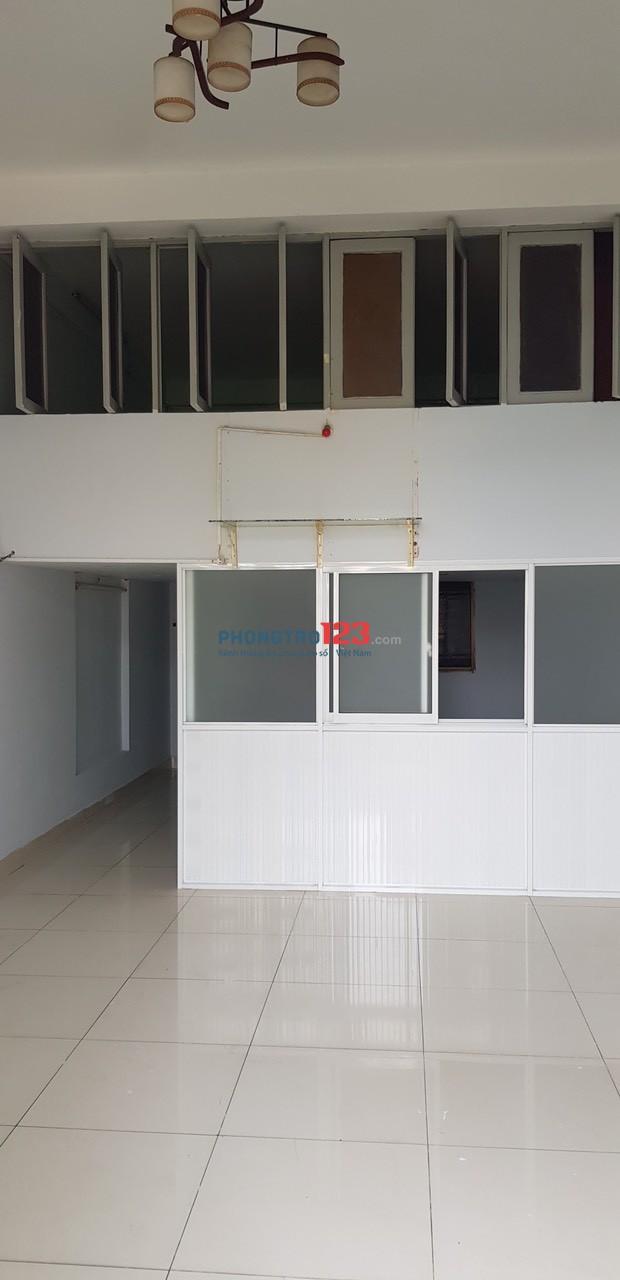 Cho thuê nhà nguyên căn 78m2 3pn tại lầu 1 số 366 Trần Phú, P.7, Q.5. Giá 9tr/tháng