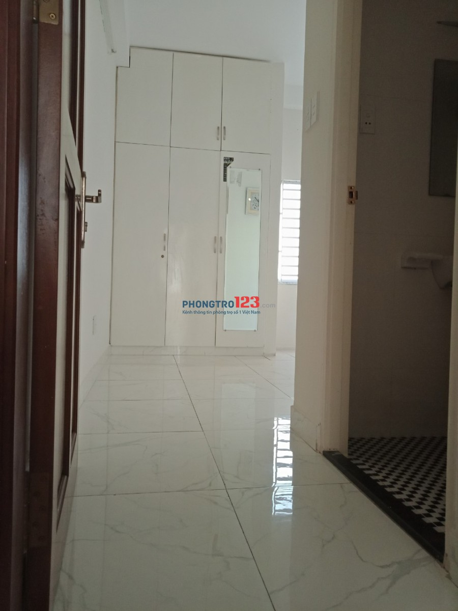 Phòng máy lạnh, SẠCH ĐẸP mát mẻ gần cầu Trần Khánh Dư